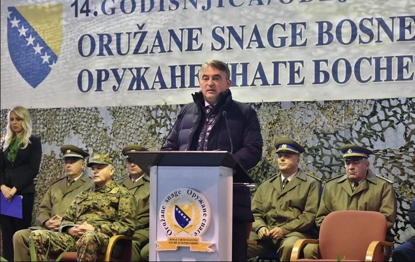 Srbija vraća obavezni vojni rok Komsic