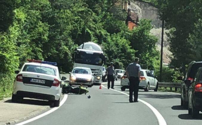 Nova tragedija na putevima u BiH: Motociklista izdahnuo na putu prema mostarskoj bolnici