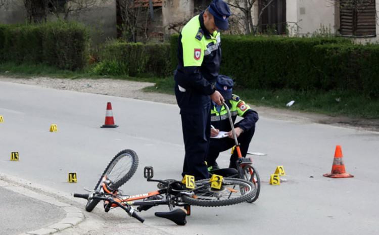 Golfom udario biciklistu