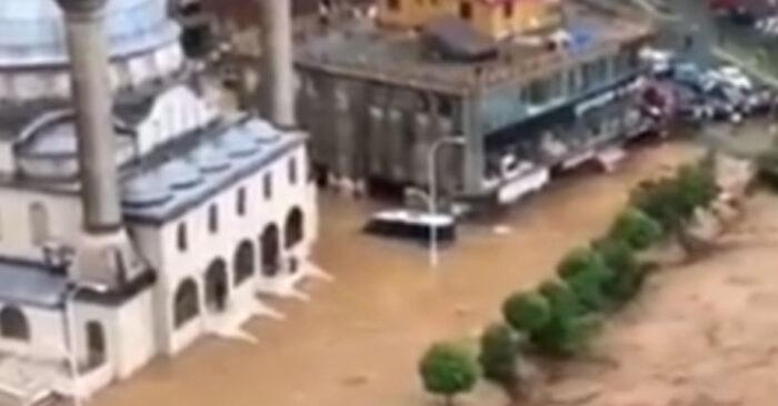 Prizori katastrofe u Turskoj: Poplave jedne od najgorih u istoriji (VIDEO)