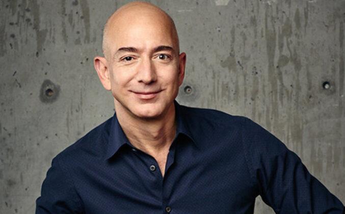Milijarder Džef Bezos stopira let na Mjesec